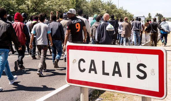 Calais-migrant-crisis-601593